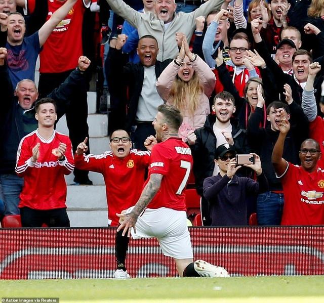 Beckham tỏa sáng, huyền thoại Man Utd thắng huyền thoại Bayern 5-0 - 10