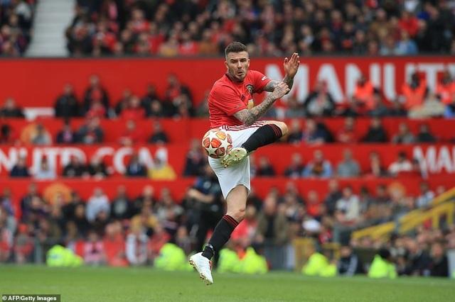 Beckham tỏa sáng, huyền thoại Man Utd thắng huyền thoại Bayern 5-0 - 9