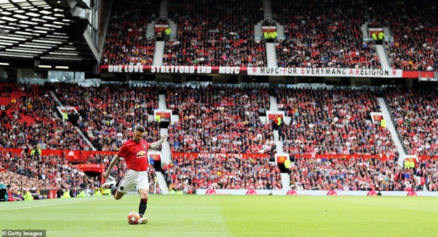Beckham tỏa sáng, huyền thoại Man Utd thắng huyền thoại Bayern 5-0 - 14