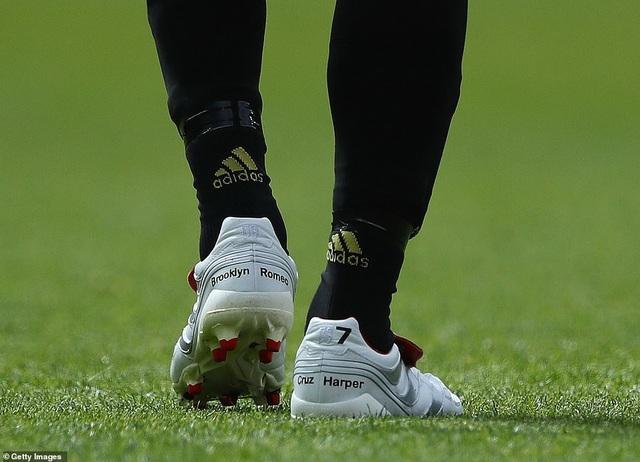 Beckham tỏa sáng, huyền thoại Man Utd thắng huyền thoại Bayern 5-0 - 12