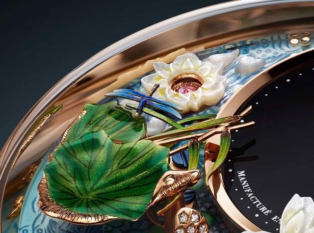 Jaquet Droz đưa bức hoạ động đầm sen lên đồng hồ Magic Lotus Automaton - 5