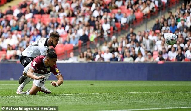 Thắng nghẹt thở trước Derby County, Aston Villa giành vé thăng hạng Premier League - 1