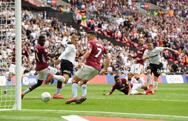 Thắng nghẹt thở trước Derby County, Aston Villa giành vé thăng hạng Premier League - 4