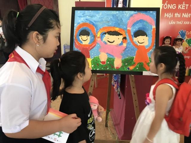500 học sinh được trao giải thưởng Nét Vẽ Xanh - 1