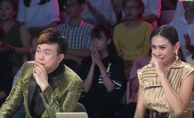 Việt Hương khóc hết nước mắt trước người mẹ hiến tạng con để cứu người - 2