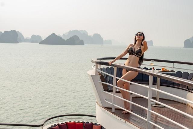 Lan Cave Thanh Hương khoe body nóng bỏng, siêu vòng 3 với bikini - 14