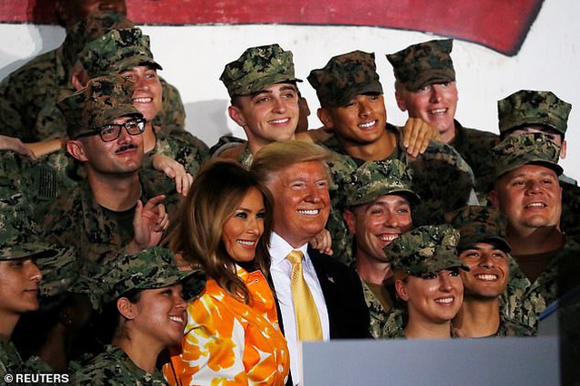 """Tổng thống Trump tiết lộ điều khiến ông cảm thấy """"ghen tị"""" với vợ - 1"""