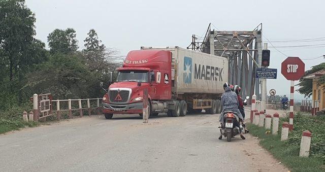 Cây cầu độc nhất vô nhị tại Bắc Giang: Đừng để thảm hoạ đến mới rút kinh nghiệm! - 2