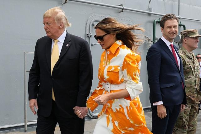 Ông Trump trở thành tổng thống Mỹ đầu tiên thăm tàu chiến Nhật Bản - 9
