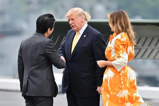 Ông Trump trở thành tổng thống Mỹ đầu tiên thăm tàu chiến Nhật Bản - 5