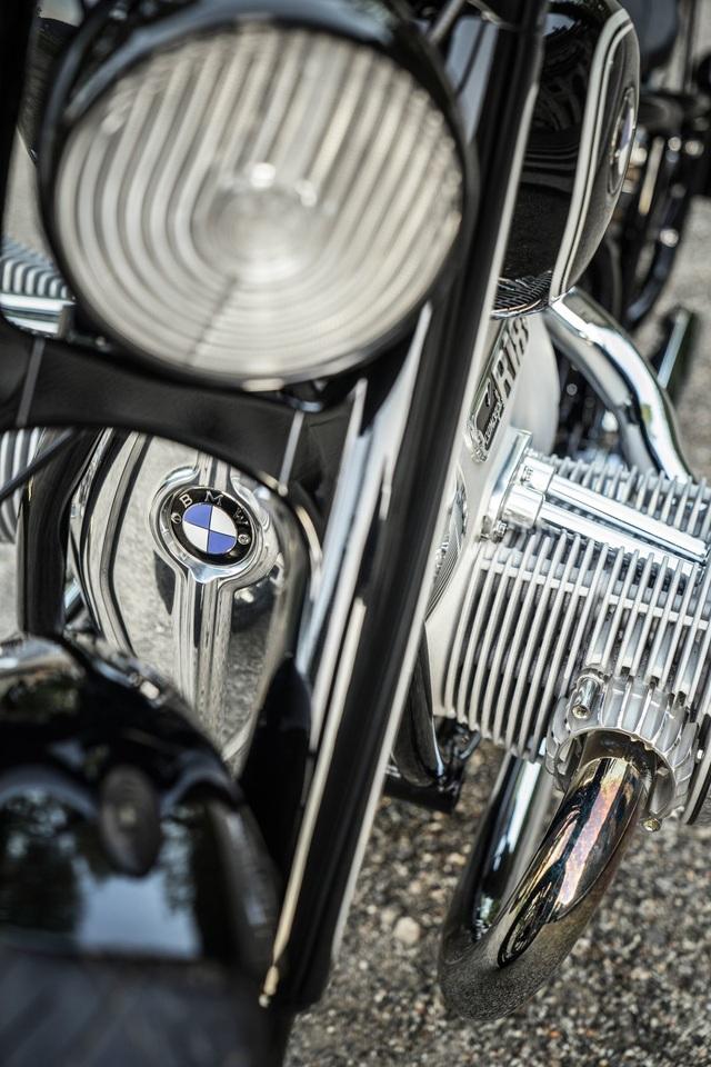 BMW hút hồn người mê môtô bằng concept R18 - 12