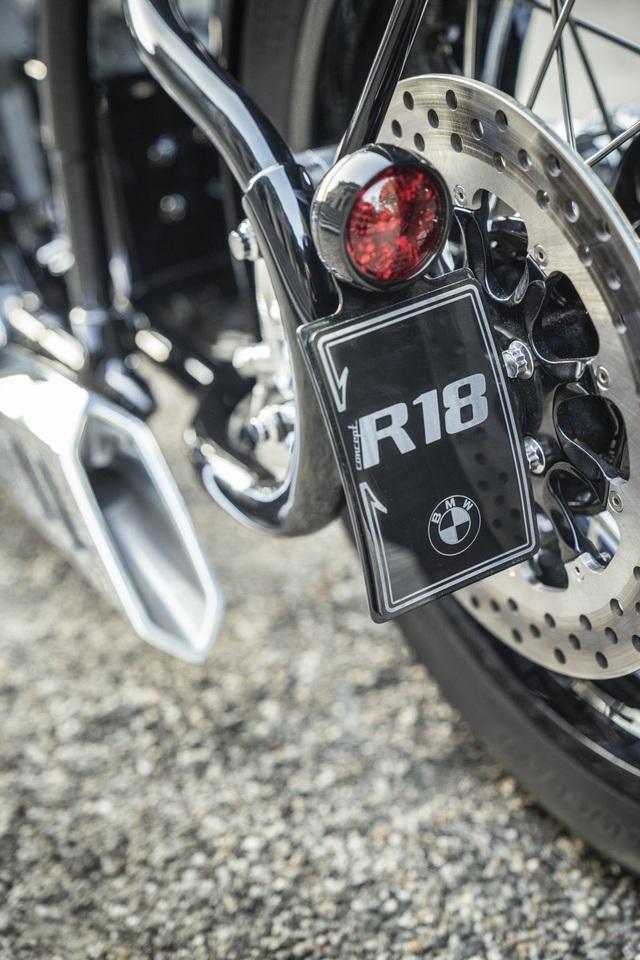 BMW hút hồn người mê môtô bằng concept R18 - 16