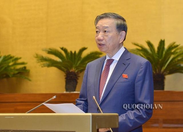 Bộ trưởng Tô Lâm: Quy định chặt chẽ thời hạn tạm hoãn xuất cảnh - 1