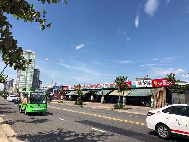 Hàng loạt nhà hàng ven biển Đà Nẵng vi phạm trật tự xây dựng - 1