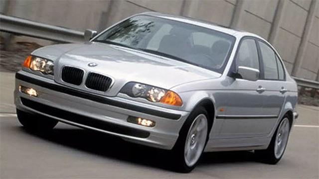 Hí hửng bỏ 200 triệu đồng mua ô tô BMW: Trai độc thân nhận cái kết đắng - 1