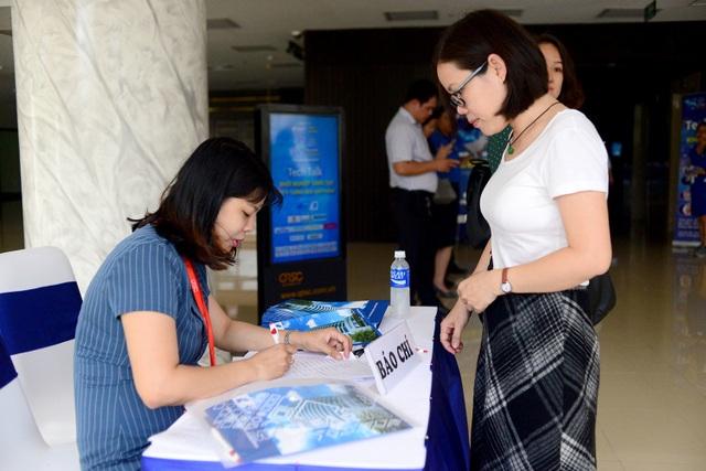 Giải thưởng Nhân tài Đất Việt 2019: Lần đầu tiên giao lưu trực tuyến với các tiến sĩ ở nước ngoài - 8