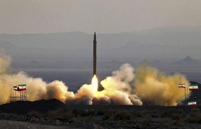 Video Iran thử tên lửa từ căn cứ bí mật giữa lúc căng thẳng với Mỹ - 1
