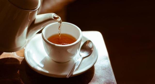 Các nhà khoa học nói về nguy cơ chết người của trà cam thảo - 1