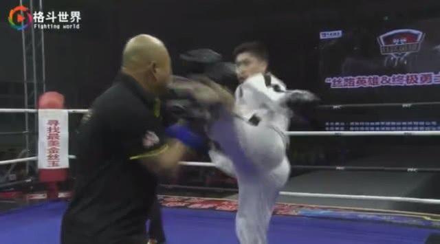 Cao thủ Thái Cực lại bại trận trước võ sĩ taekwondo