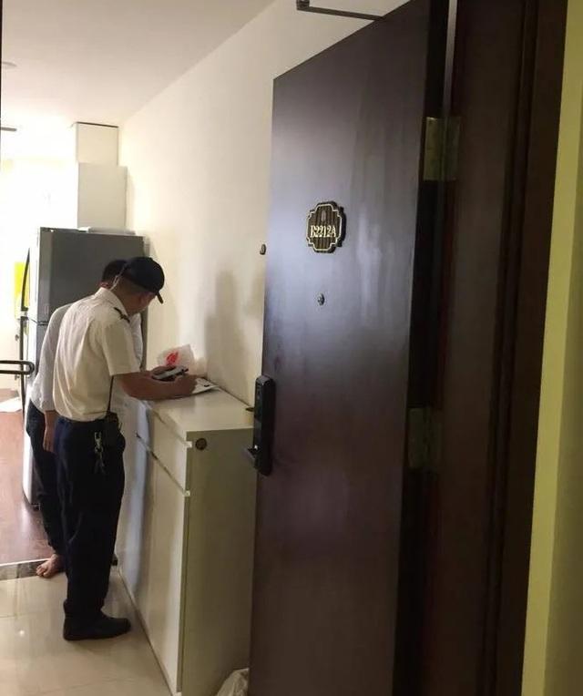 Buộc dừng thuê nhà với người nước ngoài bị tố sàm sỡ 2 cư dân trong thang máy - 1