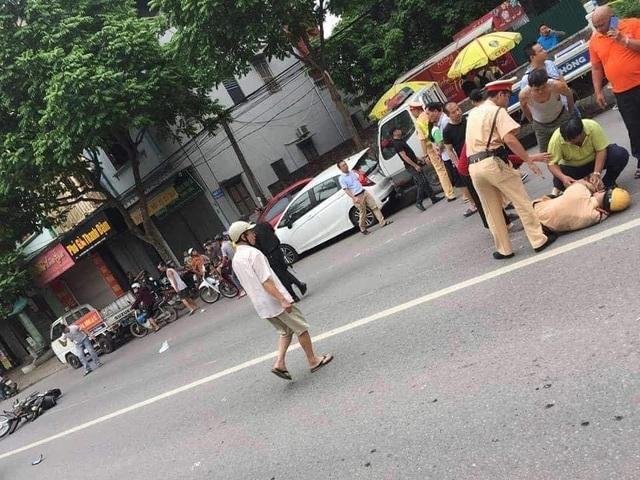 Hà Nội: Thanh niên ngổ ngáo tông gục Cảnh sát giao thông trên phố - 1
