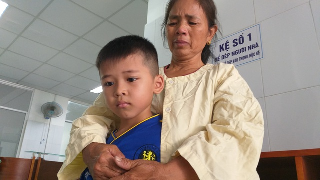 Xúc động người mẹ chồng vượt trăm cây số đóng viện phí chăm nàng dâu - 7