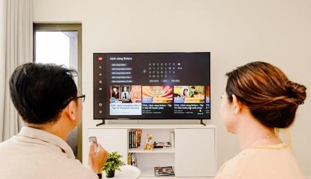 Đâu là dòng TV thông minh phù hợp dành cho người lớn tuổi - 2