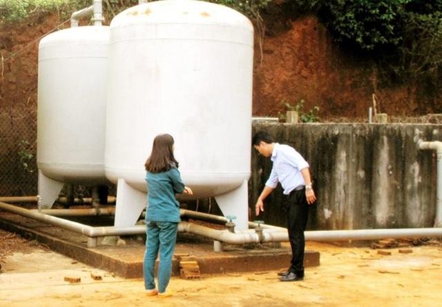Công trình nước sạch 10 tỷ nằm im, bồi thêm 500 triệu vẫn... vô dụng! - 2