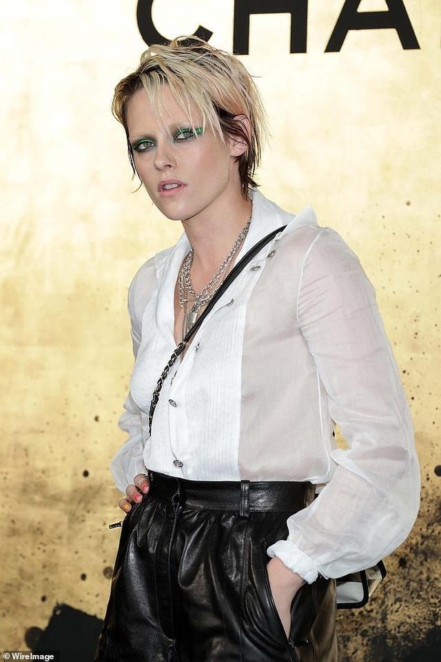 Choáng váng trước vẻ ngoài ngày càng nam tính của Kristen Stewart - 5