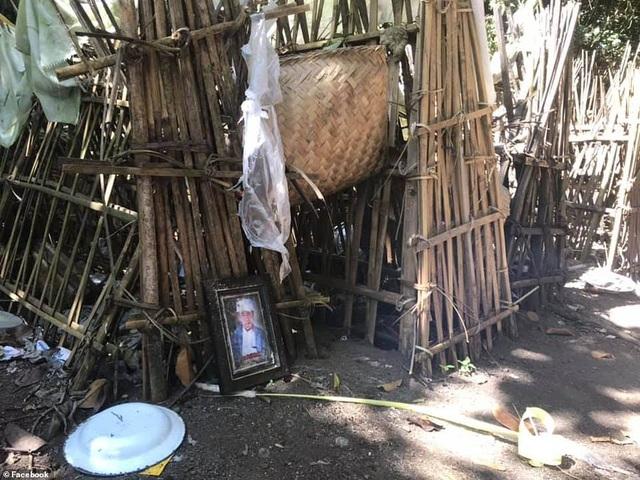 Ngôi làng kinh dị: Nhốt xác chết cạnh gốc cây thiêng và ngôi đền cổ - 1