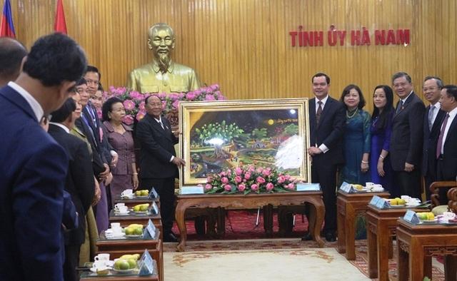 Chủ tịch Quốc hội Vương quốc Campuchia thăm và làm việc tại Hà Nam - 1