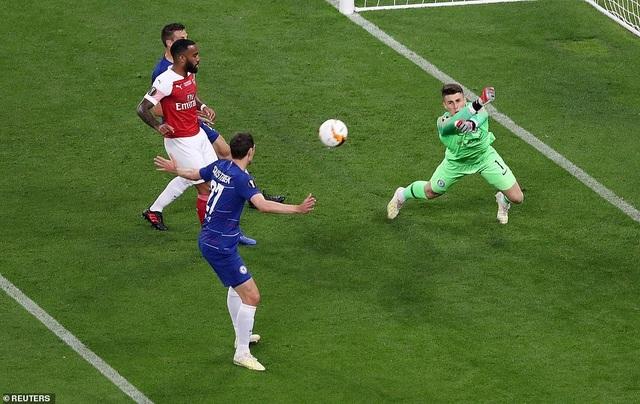 """Những khoảnh khắc Chelsea """"vùi dập"""" Arsenal để lên ngôi vô địch Europa League - 19"""