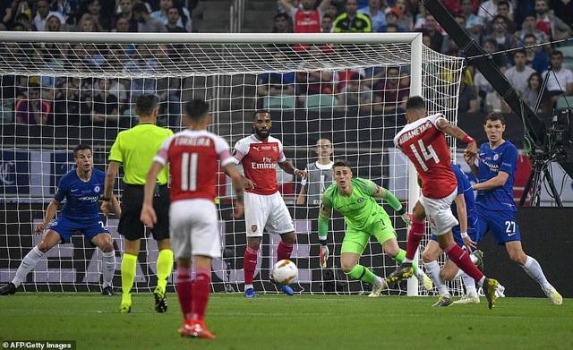 """Những khoảnh khắc Chelsea """"vùi dập"""" Arsenal để lên ngôi vô địch Europa League - 14"""