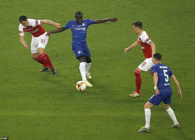 """Những khoảnh khắc Chelsea """"vùi dập"""" Arsenal để lên ngôi vô địch Europa League - 18"""