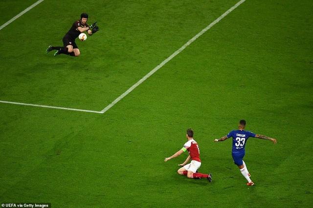 """Những khoảnh khắc Chelsea """"vùi dập"""" Arsenal để lên ngôi vô địch Europa League - 12"""