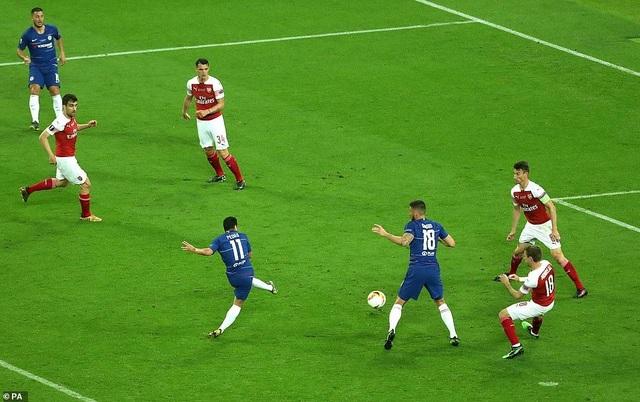 """Những khoảnh khắc Chelsea """"vùi dập"""" Arsenal để lên ngôi vô địch Europa League - 10"""