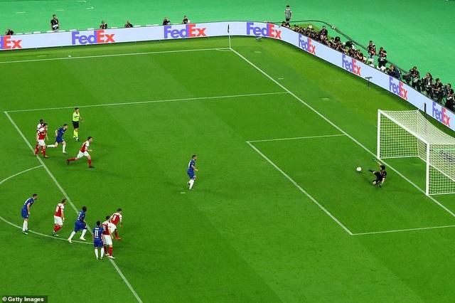 """Những khoảnh khắc Chelsea """"vùi dập"""" Arsenal để lên ngôi vô địch Europa League - 8"""