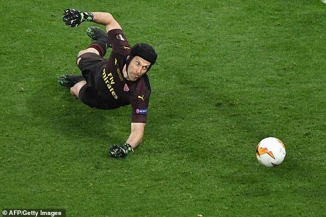 Để thủng lưới 4 bàn, Petr Cech vẫn được ngợi ca hết lời - 3