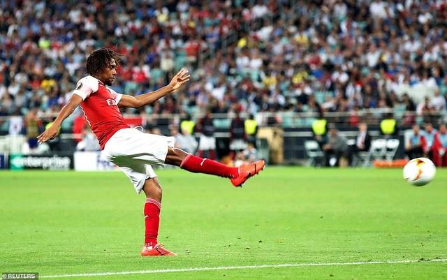 """Những khoảnh khắc Chelsea """"vùi dập"""" Arsenal để lên ngôi vô địch Europa League - 16"""