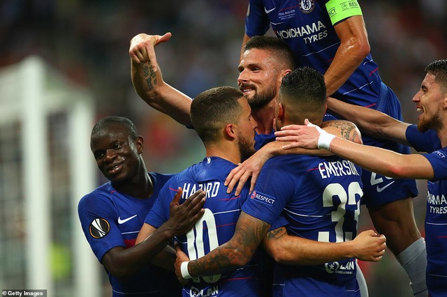 """Những khoảnh khắc Chelsea """"vùi dập"""" Arsenal để lên ngôi vô địch Europa League - 13"""