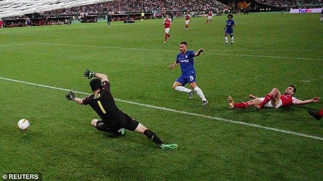 Eden Hazard nói lời chia tay Chelsea ngay khi đăng quang Europa League - 3
