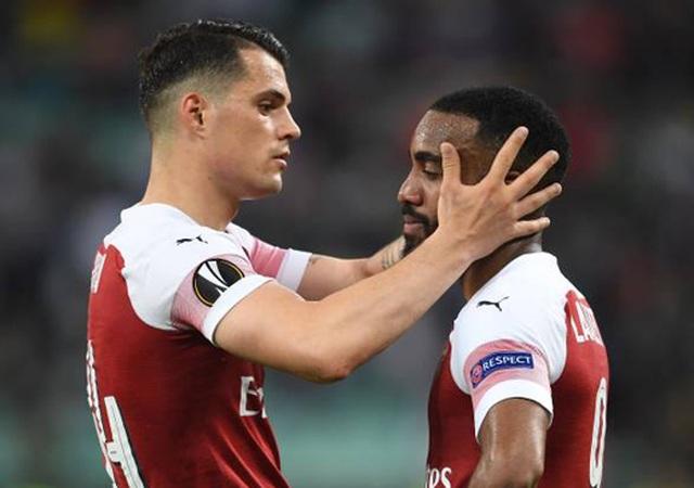 Nỗi buồn vô hạn của Arsenal khi chứng kiến Chelsea nâng cúp vô địch - 5