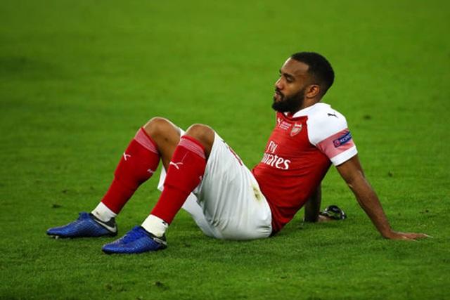 Nỗi buồn vô hạn của Arsenal khi chứng kiến Chelsea nâng cúp vô địch - 4