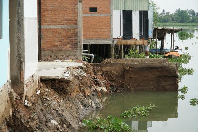 Nhìn sông nuốt nhà, vợ chồng tôi khóc không thành tiếng! - 2