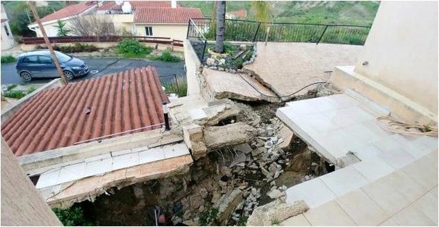 Mua nhà 6 tỷ đồng trên đất cấm xây, gia chủ khóc ròng sống trong sợ hãi - 1