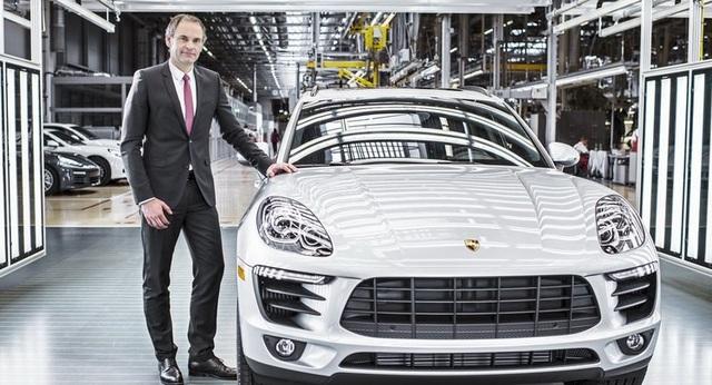Văn phòng bị lục soát, CEO của Porsche bị điều tra - 1