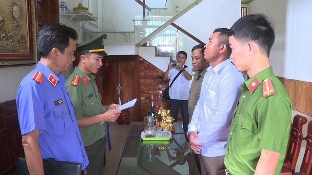 """Phá đường dây buôn bán thiết bị xe máy trái phép """"khủng"""" từ Lào về Việt Nam - 4"""