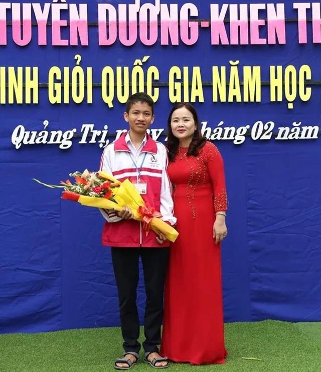 Gặp nam sinh con nhà nông giành huy chương Bạc Olympic Tin học châu Á - 1