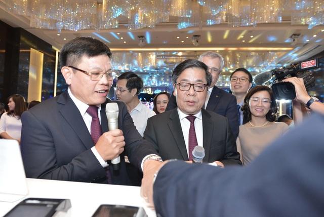 Vietcombank – Một trong 7 ngân hàng đầu tiên tại Việt Nam tiên phong triển khai thẻ chip nội địa - 6