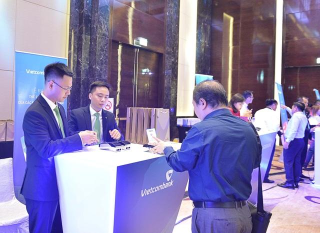 Vietcombank – Một trong 7 ngân hàng đầu tiên tại Việt Nam tiên phong triển khai thẻ chip nội địa - 7